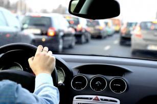 magas vérnyomásban vezethet autót
